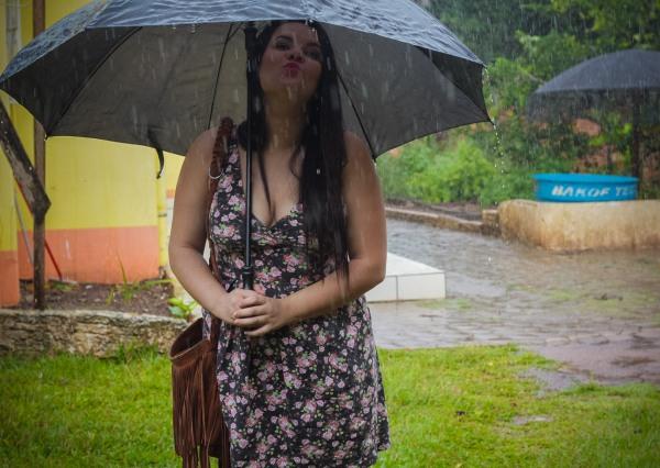Look do dia com vestido decotado floral - Dica Amiga (14)