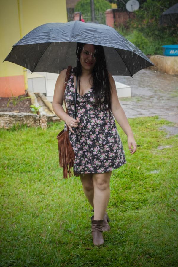 Look do dia com vestido decotado floral - Dica Amiga (16)