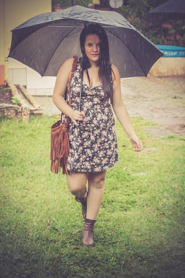 Look do dia com vestido decotado floral - Dica Amiga (21)