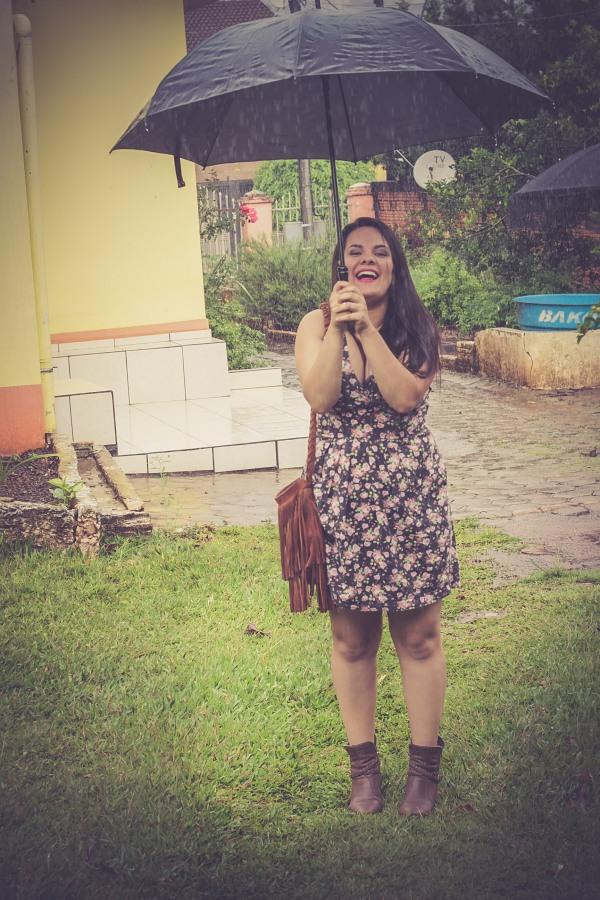 Look do dia com vestido decotado floral - Dica Amiga (22)
