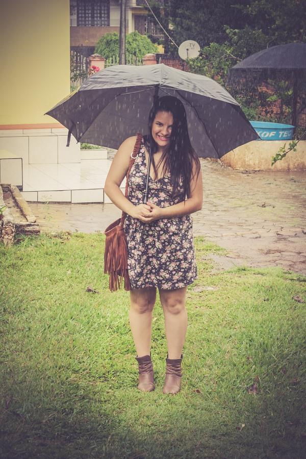 Look do dia com vestido decotado floral - Dica Amiga (23)